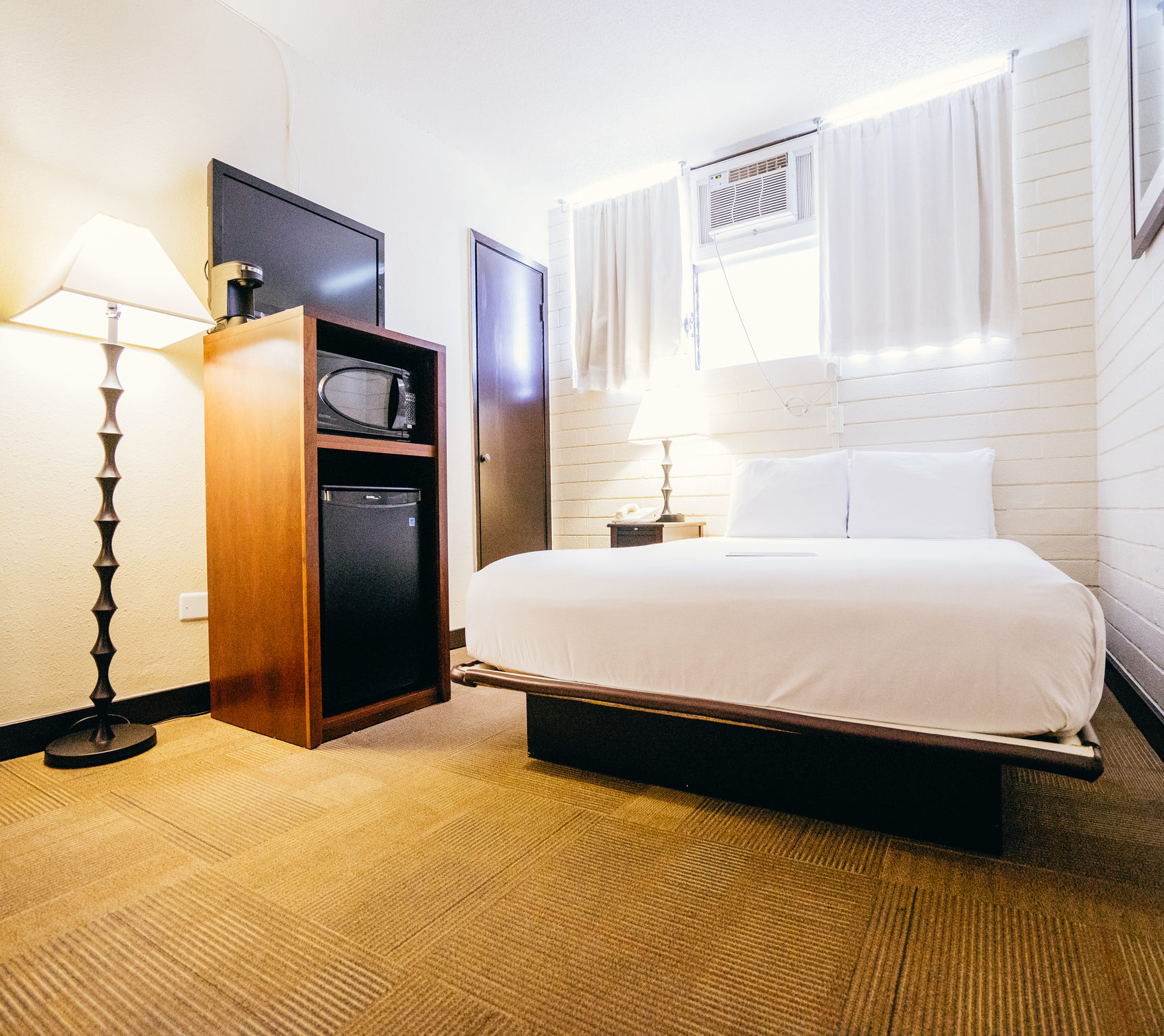 Stay Waikiki Is Unpretentious And Simple Personal Hospitable We Offer A Clean Comfortable Place To Sleep At Night While You Explore Our Island